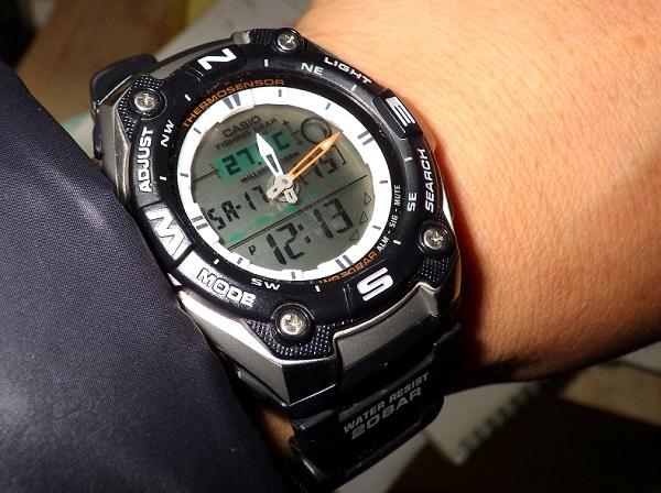 カシオ 釣り用腕時計 AQW-101J-1AJF