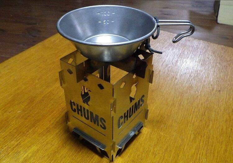 ビーパル×チャムス焚き火台とミニシェラカップ