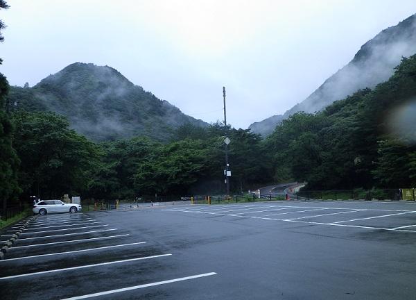 御在所岳無料駐車場の様子