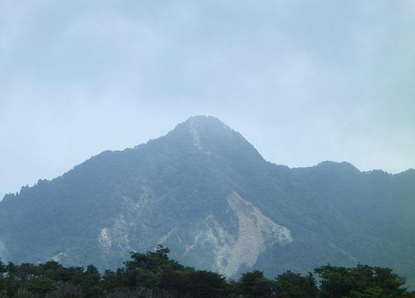 御在所岳から見る鎌ヶ岳