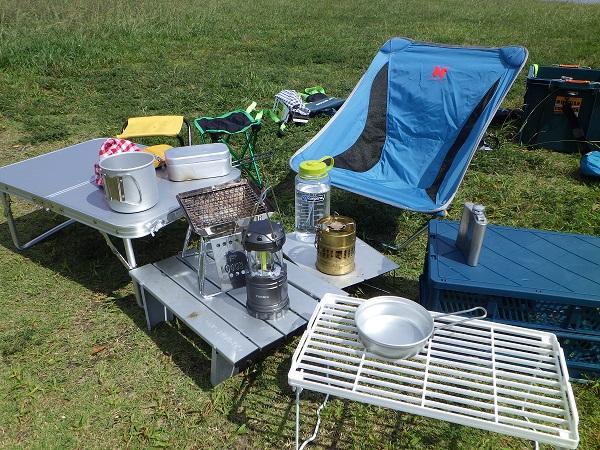 キャンプで使えるミニテーブル