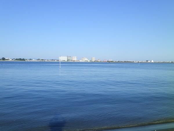 新居海水浴場からの眺め