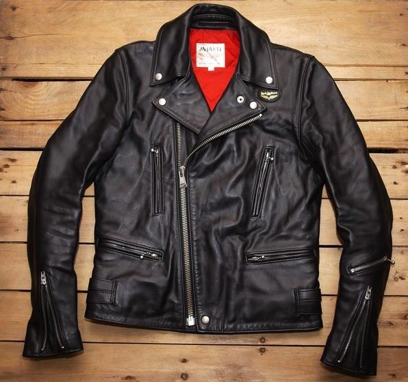 ルイスレザーのライダースジャケット