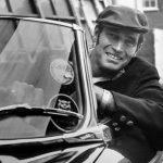 オープンカーには帽子が似合う!ドライブにおすすめの帽子紹介
