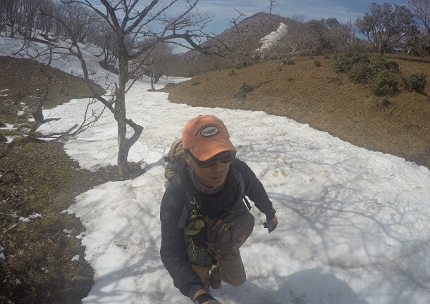避難小屋から藤原岳山頂へ向かう