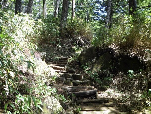 御嶽山 6合目からの登山道