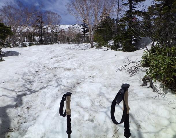 御嶽山 7合目からの登山道 残雪期
