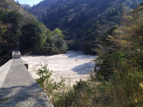 鎌ヶ岳 三ツ口谷登山道口