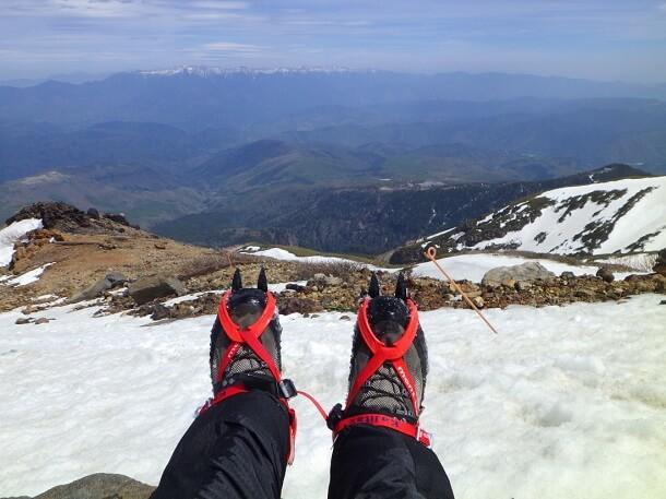 御嶽山 登山 9合目付近で休憩