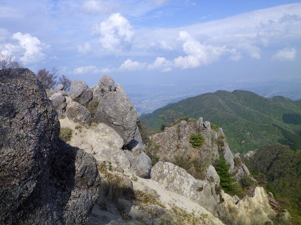 鎌ヶ岳から長石尾根で下山
