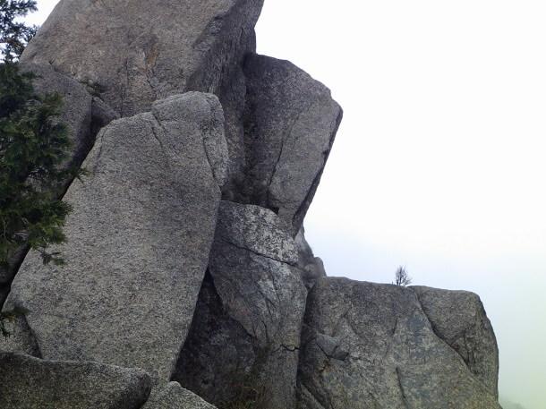 8合目の岩峰