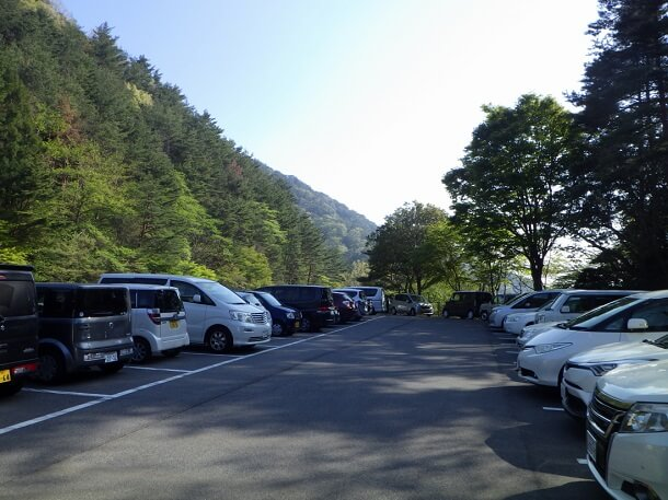 御在所岳中登山道 駐車場