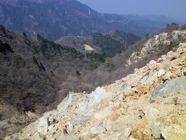鎌ヶ岳 三ツ口谷から下山