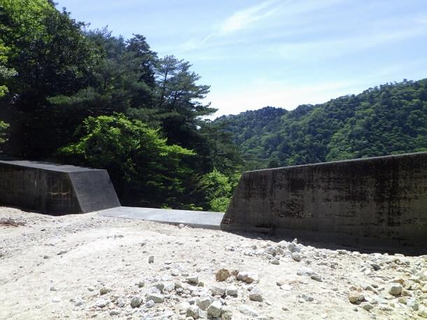 本谷の堰堤