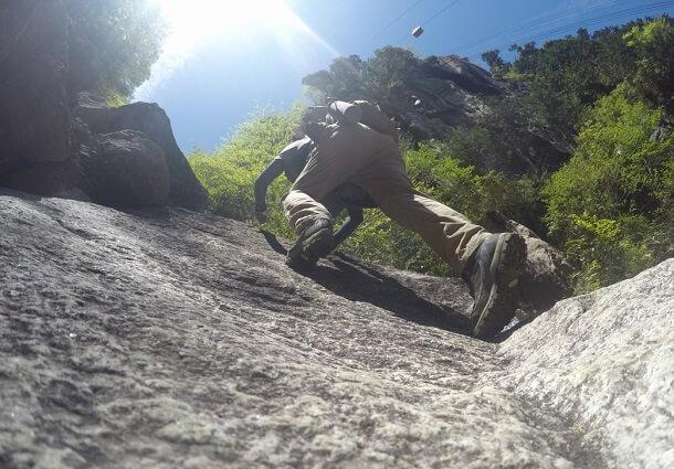 御在所 本谷の岩場を登る
