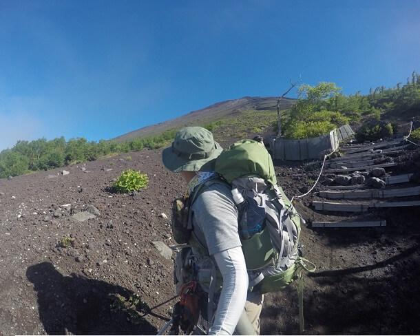 富士宮口5合目より富士登山開始