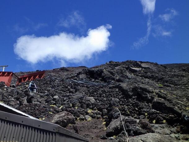 富士宮ルート 8合目から9合目を目指す