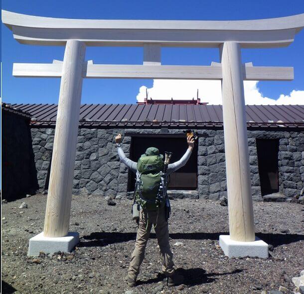富士山頂の浅間大社奥宮