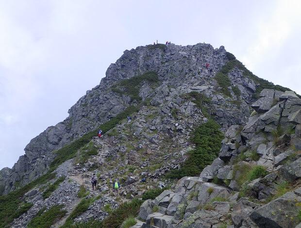 西穂高岳独標を登る