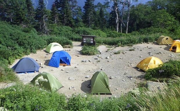 西穂高山荘のテント場