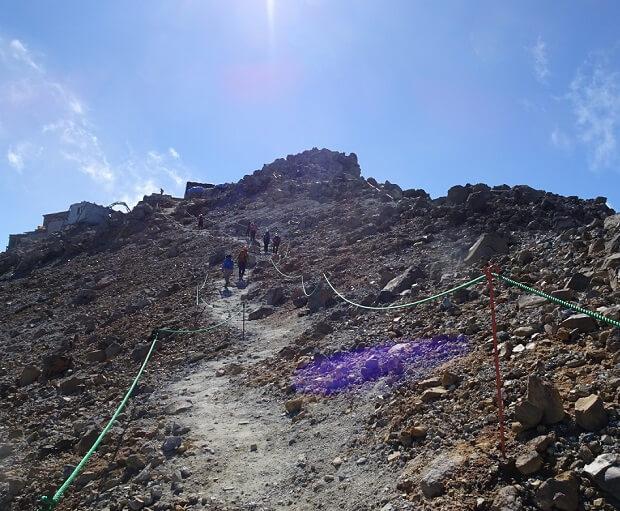 御嶽山 黒沢口 山頂付近の登山道