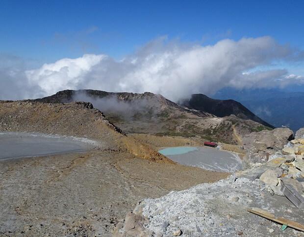 御嶽 剣ヶ峰からの眺望 一ノ池・二ノ池