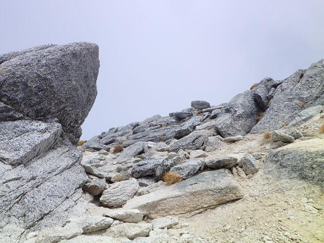 甲斐駒ヶ岳 直登コース 頂上間近