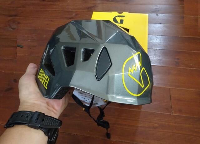 登山ヘルメット グリベル ステルス