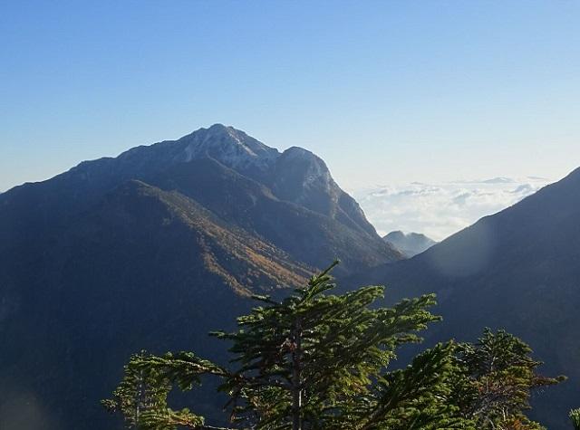 仙丈ヶ岳から見る甲斐駒ヶ岳