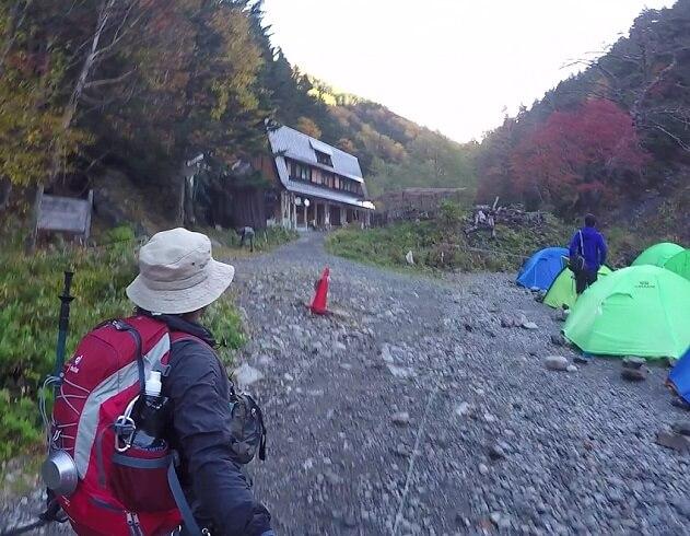 北沢長衛小屋 テント場