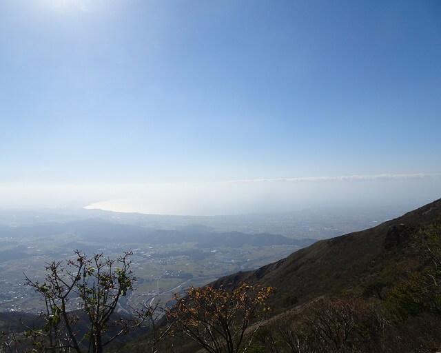 伊吹山8合目から見る琵琶湖