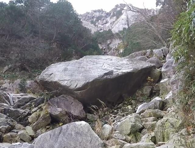 御在所岳 テスト岩