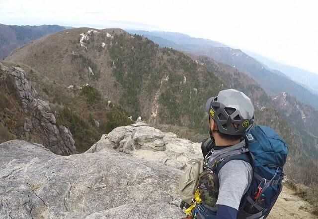 藤内沢-第三ルンゼを登り切ったflyder