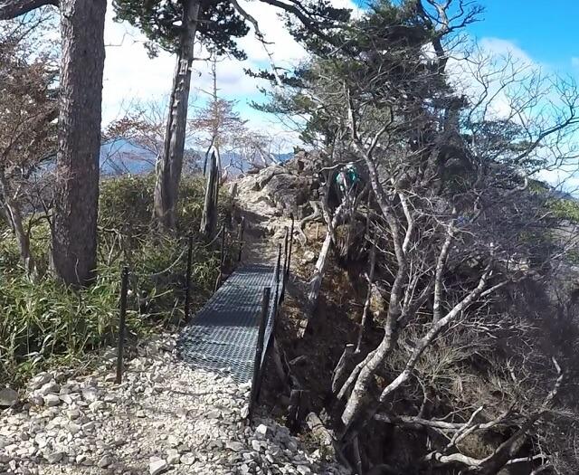 大蛇嵓への登山道