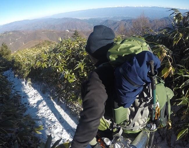 恵那山頂から下山