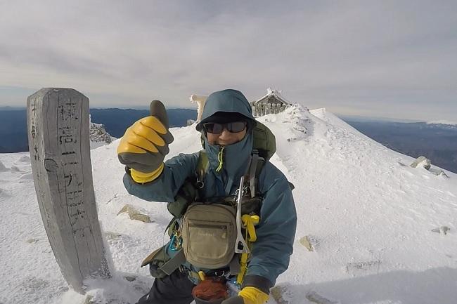 木曽駒ケ岳の頂上で記念撮影 flyder