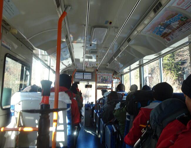 木曽駒ケ岳 登山バスは満車状態