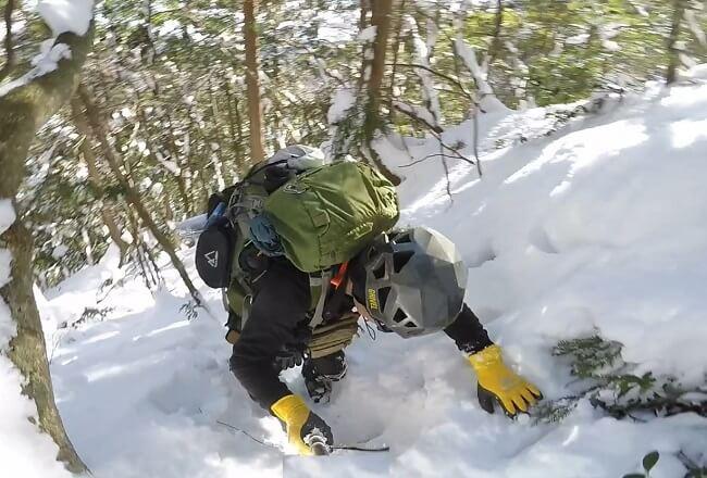 不動滝の巻道を登る
