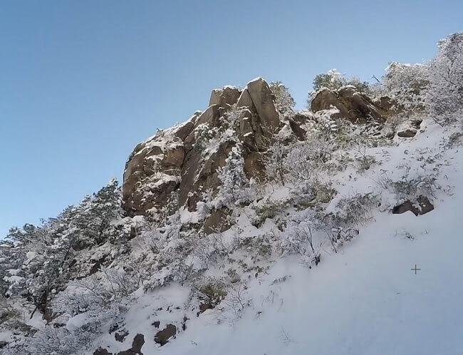 一ノ谷本谷から見える大黒岩
