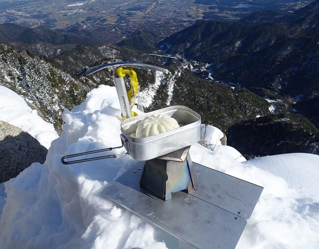 1月雪の御在所岳 大黒岩で昼食