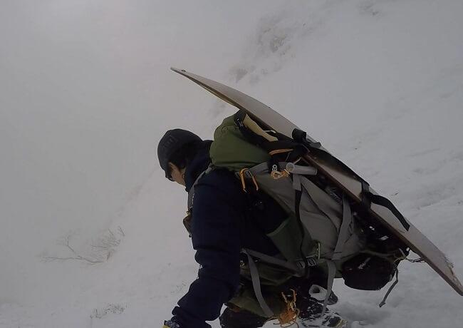 厳冬期の伊吹山頂から下山
