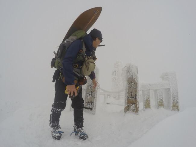 冬の伊吹山 山頂の様子_1