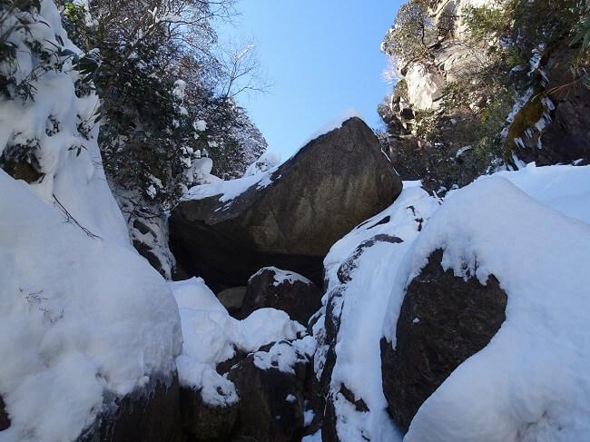 御在所岳 本谷 ジョーズ岩