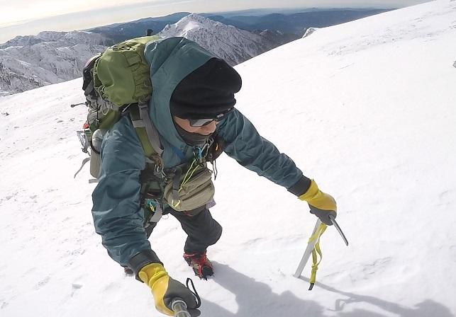 ワークマンの手袋で冬山登山