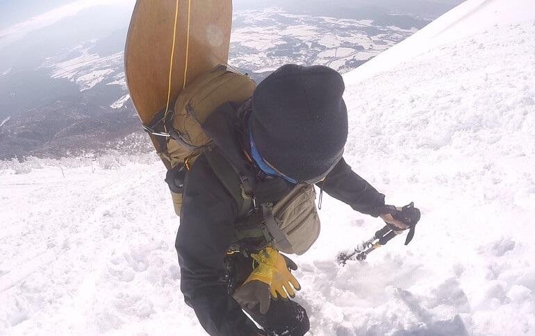 ワークマンのレインウェアで冬の雪山登山