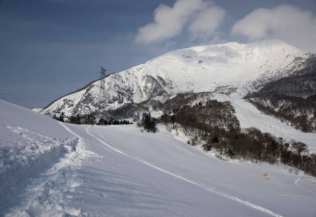 伊吹山の積雪状況と天気