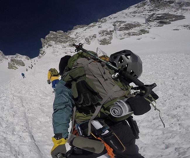 雪山登山に冬用グローブは必須
