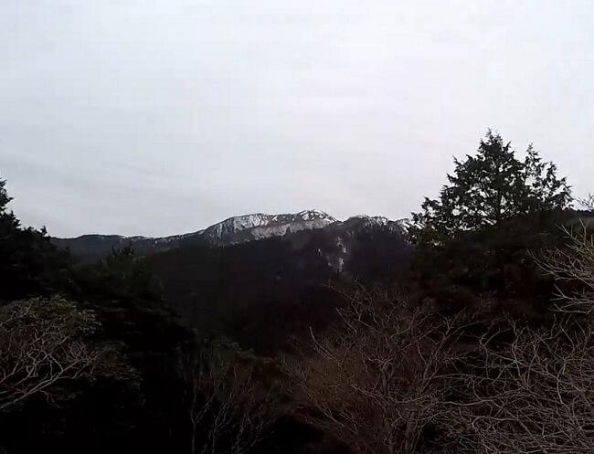 遠足尾根 岩山の展望台