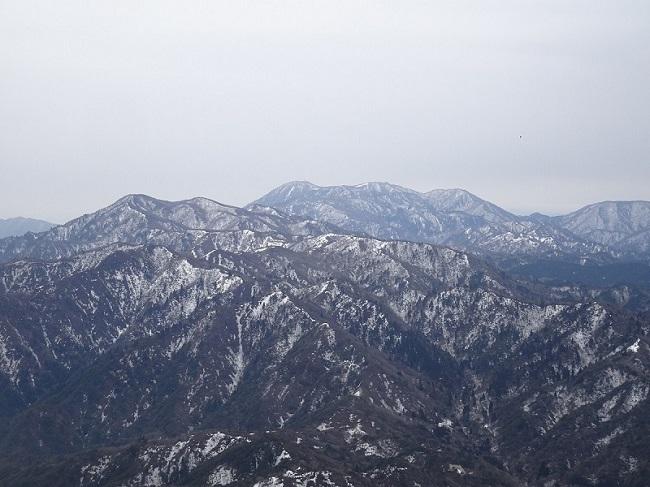 竜ヶ岳山頂からの眺め 御在所・雨乞岳方面