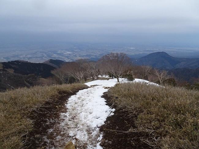 竜ヶ岳山頂から金山尾根で下山
